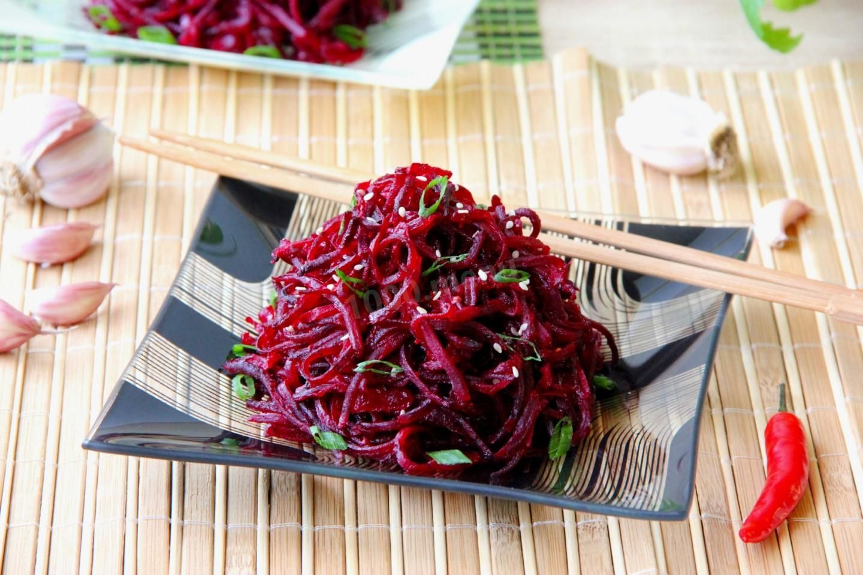 5 рецептов свеклы по-корейски: на зиму, с морковью, капустой, быстрый способ