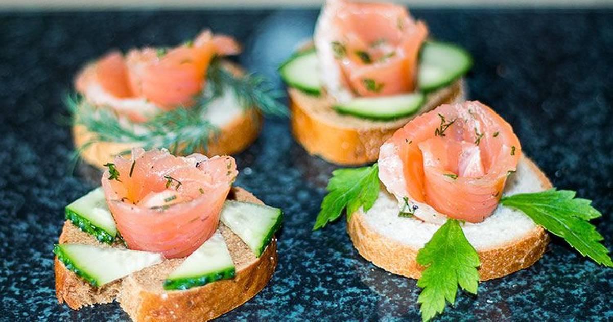 Бутерброды с красной рыбой — 10 простых и вкусных рецептов для праздничного стола