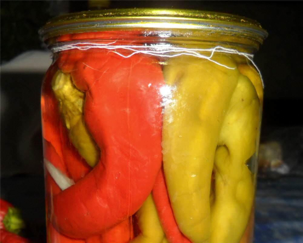 Как вкусно замариновать острый перец на зиму: 7 легких рецептов