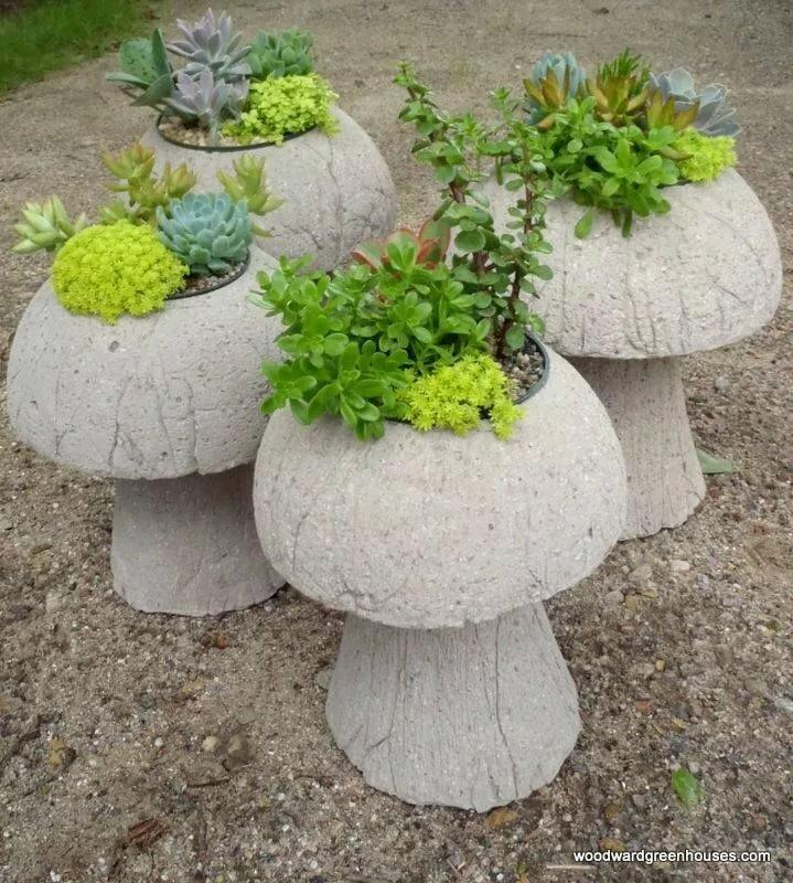 Садовые фигуры своими руками — особенности применения, подсветки и изготовления украшения (80 фото)