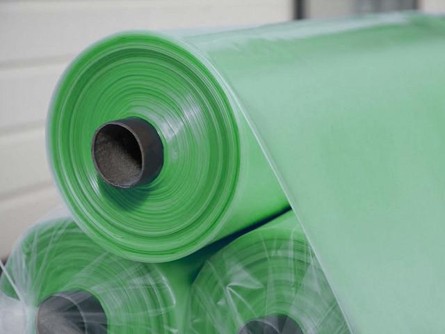 Армированная пленка (24 фото): полиэтиленовая 200-400 мкм, размеры, ширина и характеристики, производство и гост