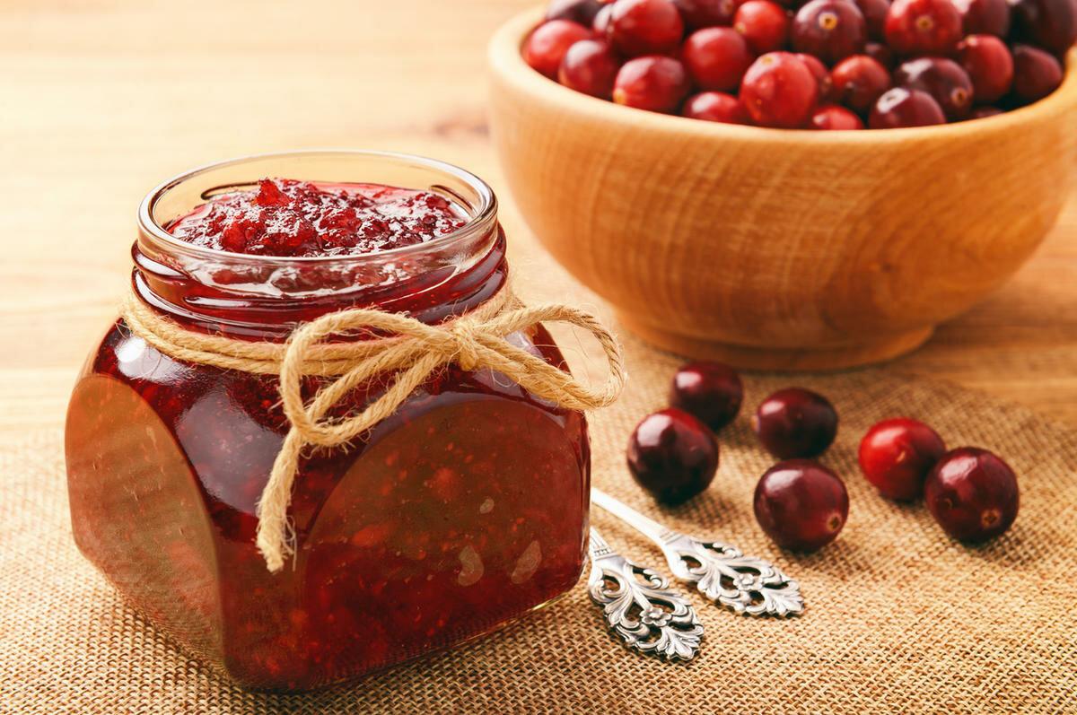 Рецепты приготовления вкусного варенья из клюквы на зиму
