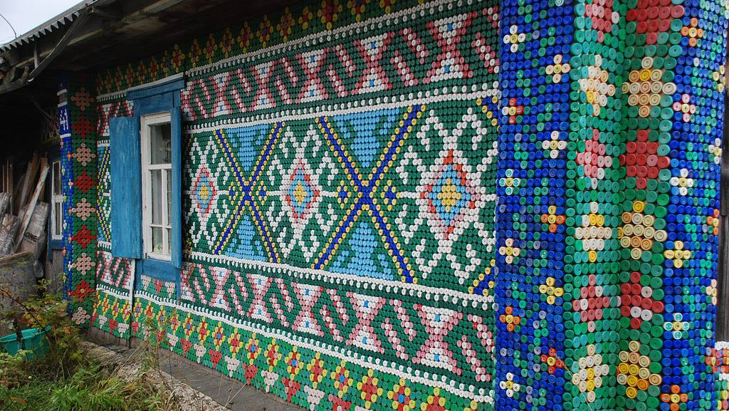 Как можно украсить фасад частного дома и его двор к новому 2020 году своими руками: лучшие фото и видео идеи как красиво и недорого украсить загородный дом | qulady