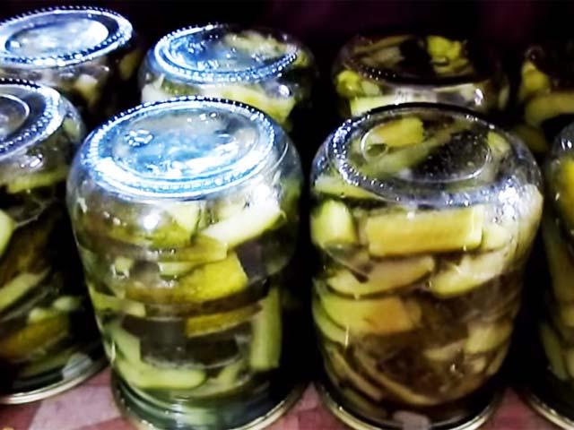 Салат из перезрелых огурцов на зиму – вкусная закуска холодной зимой: рецепт с фото и видео