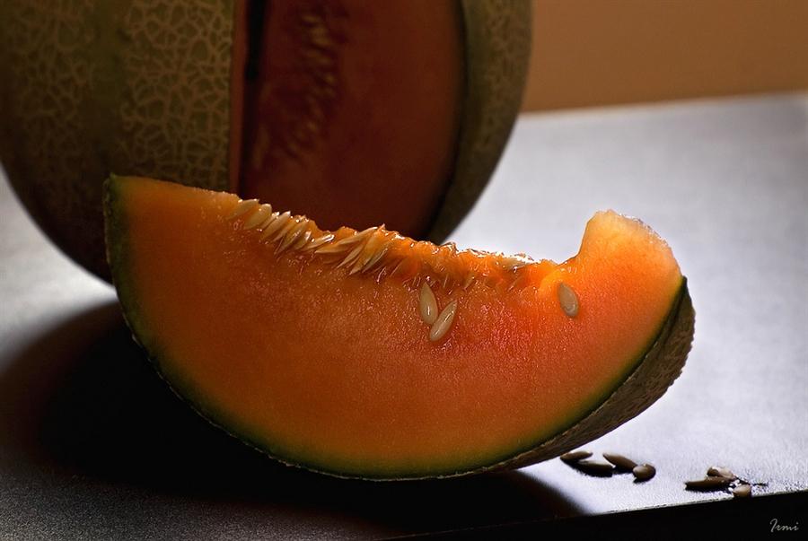 Сорта дыни с оранжевой мякотью: характеристика и описание