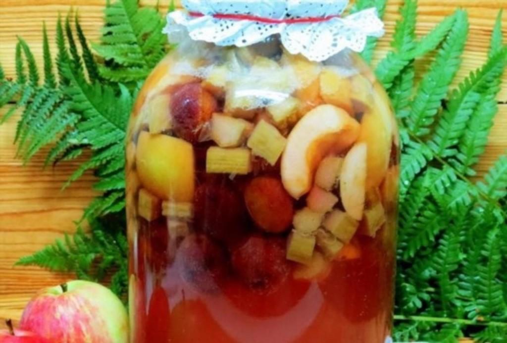 Компот ассорти из фруктов и ягод на зиму, рецепты