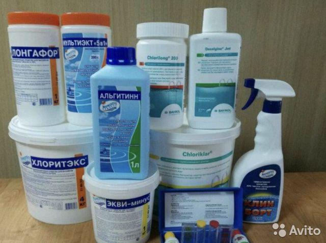 Как выбрать химию для бассейна: правила выбора средства для дачи и частного дома, дезинфекции воды, очистки чаши, примеры препаратов