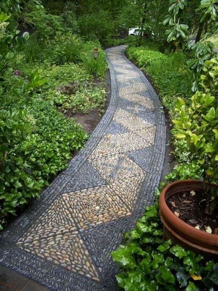 Садовые дорожки: гравий, камень, галька – плюсы и минусы