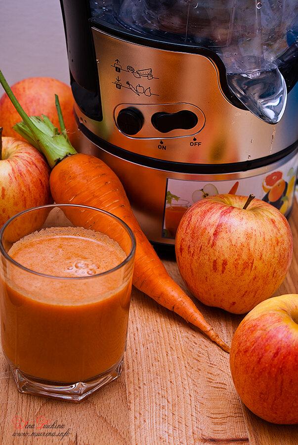 Яблочно-морковный сок на зиму — пошаговый рецепт с фото