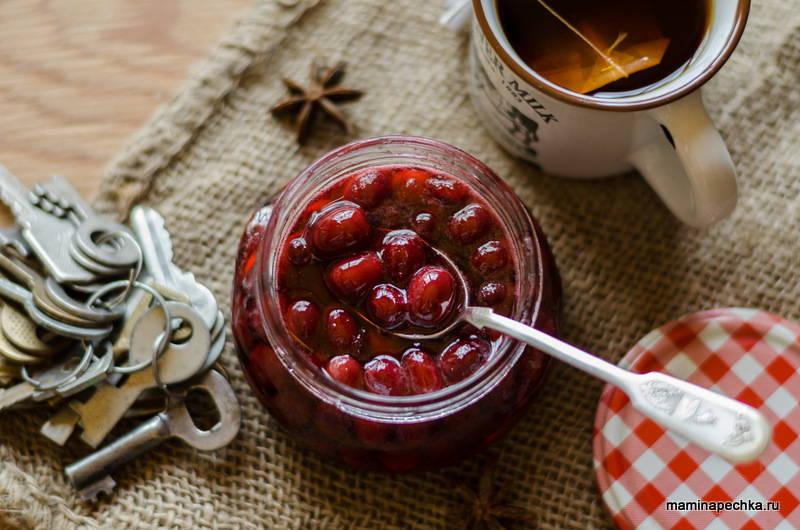 Кизиловое варенье с косточками - рецепт приготовления, польза и калорийность