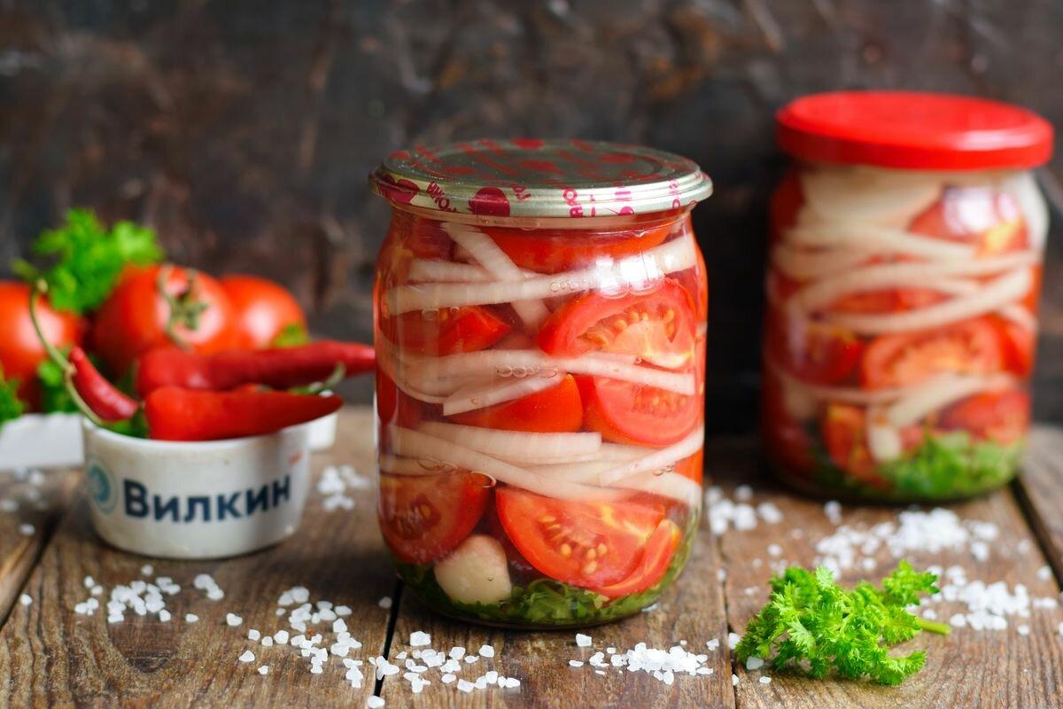 12 лучших рецептов приготовления маринованных помидоров с луком на зиму