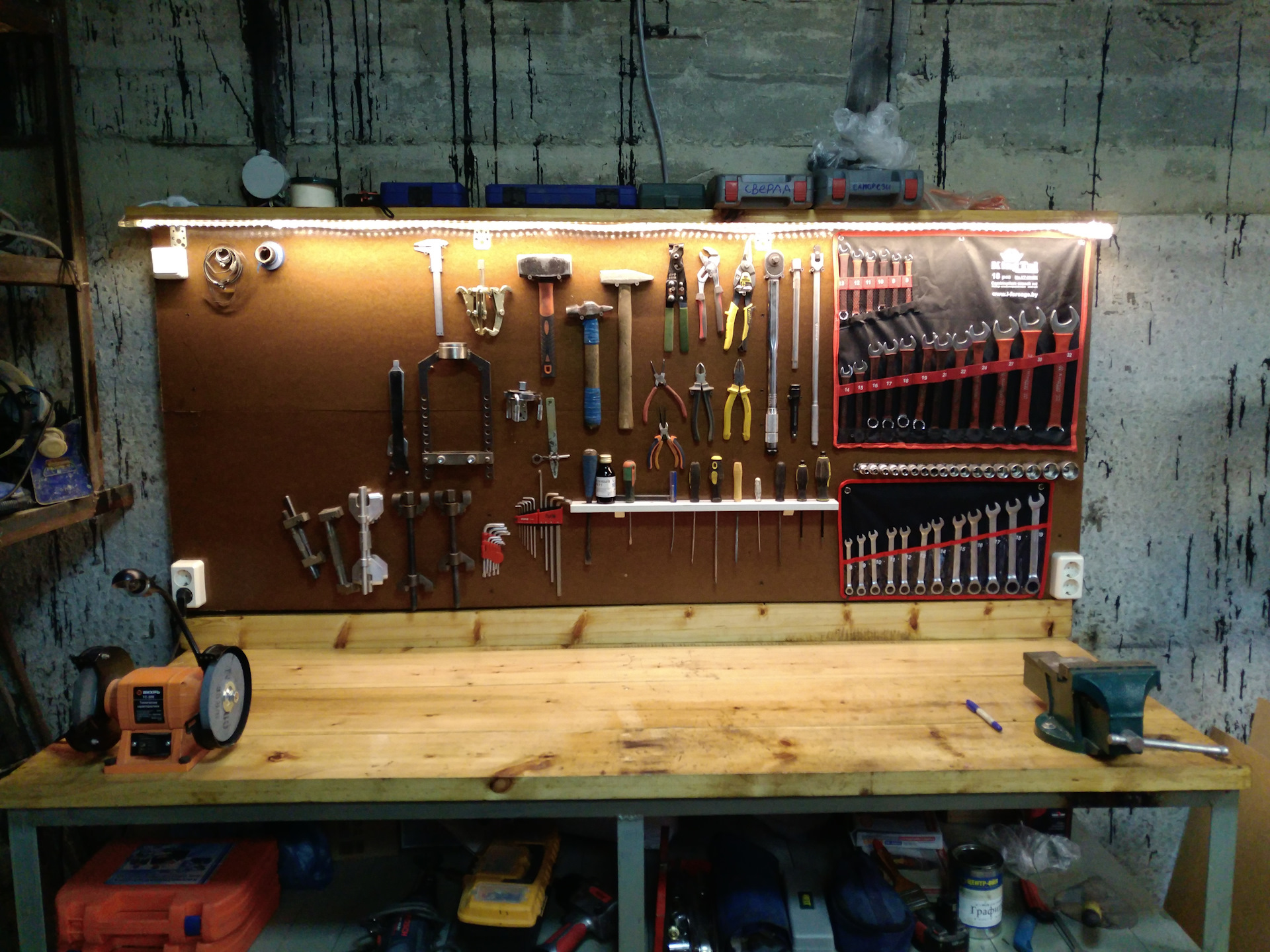 Как обустроить гараж внутри своими руками: фото, оборудования пространства, правильная оптимизация, делаем стеллажи и полки