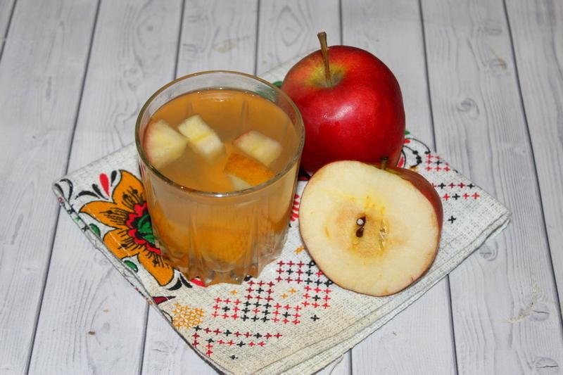 Компот из груш по вкусным рецептам на каждый день и на зиму