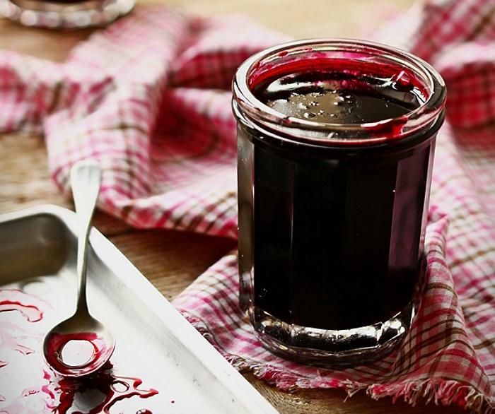 Приготовление заготовок красной смородины на зиму по лучшим рецептам