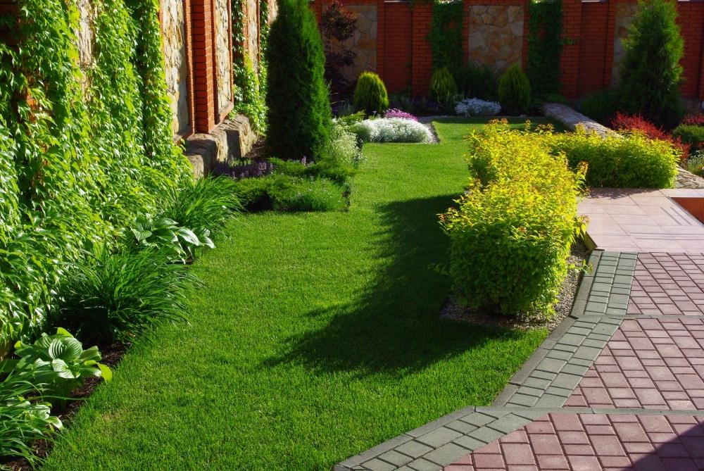Бордюры для дорожек: виды бордюров для садовых дорожек. как сделать их своими руками и установить на даче? мягкие и другие тротуарные бордюры