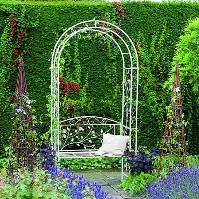 Перголы для роз (31 фото): для плетистой и вьющейся розы, деревянная пергола своими руками, кованые модели из металла
