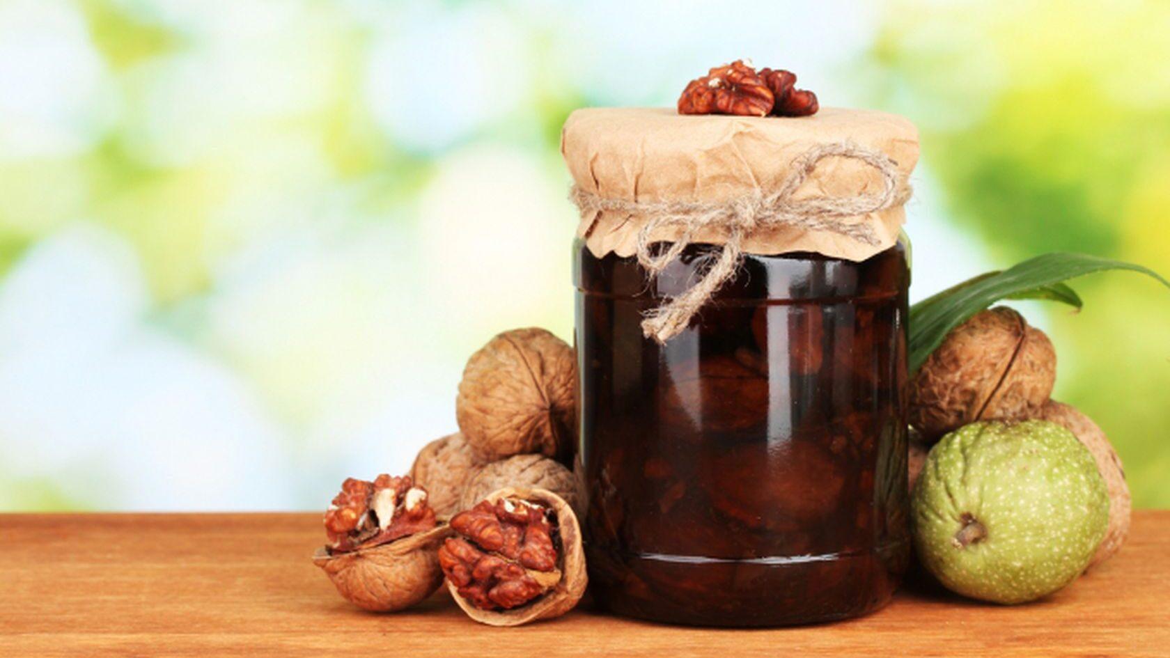 Ореховое варенье из зеленых грецких орехов