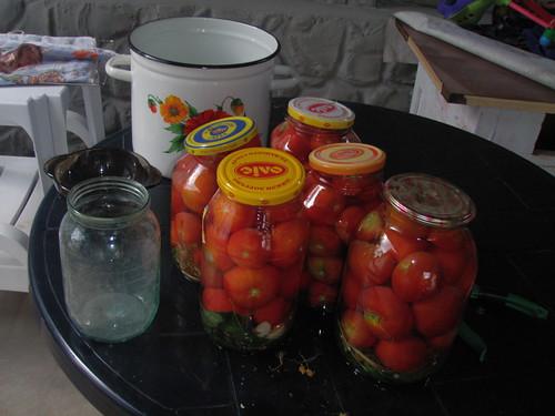 Вздулись банки с томатным соком что делать