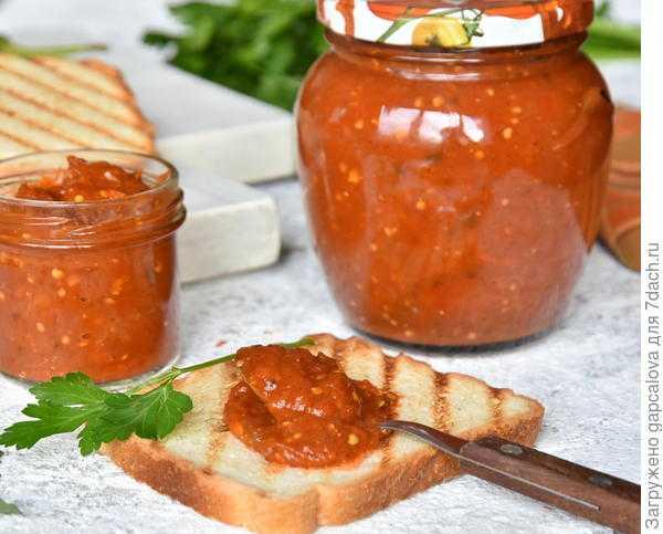 Лютеница с баклажанами по-болгарски - как приготовить лютеницу на зиму, рецепт с фото