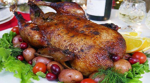 Мягкая и сочная утка в духовке — рецепты приготовления в домашних условиях