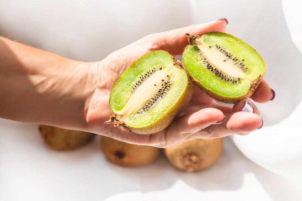 Киви: польза и вред для организма, сколько нужно съесть | пища это лекарство