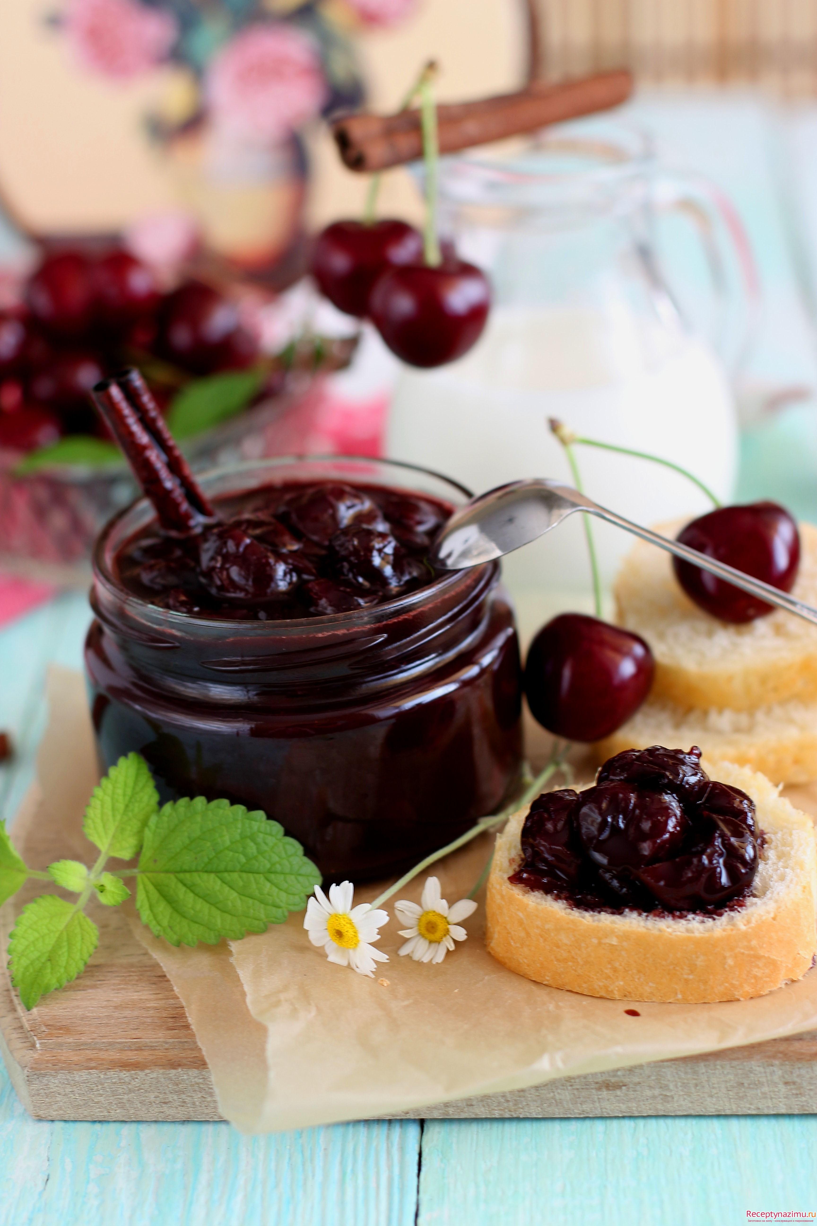 8 рецептов ароматного варенья из вишни - лайфхакер