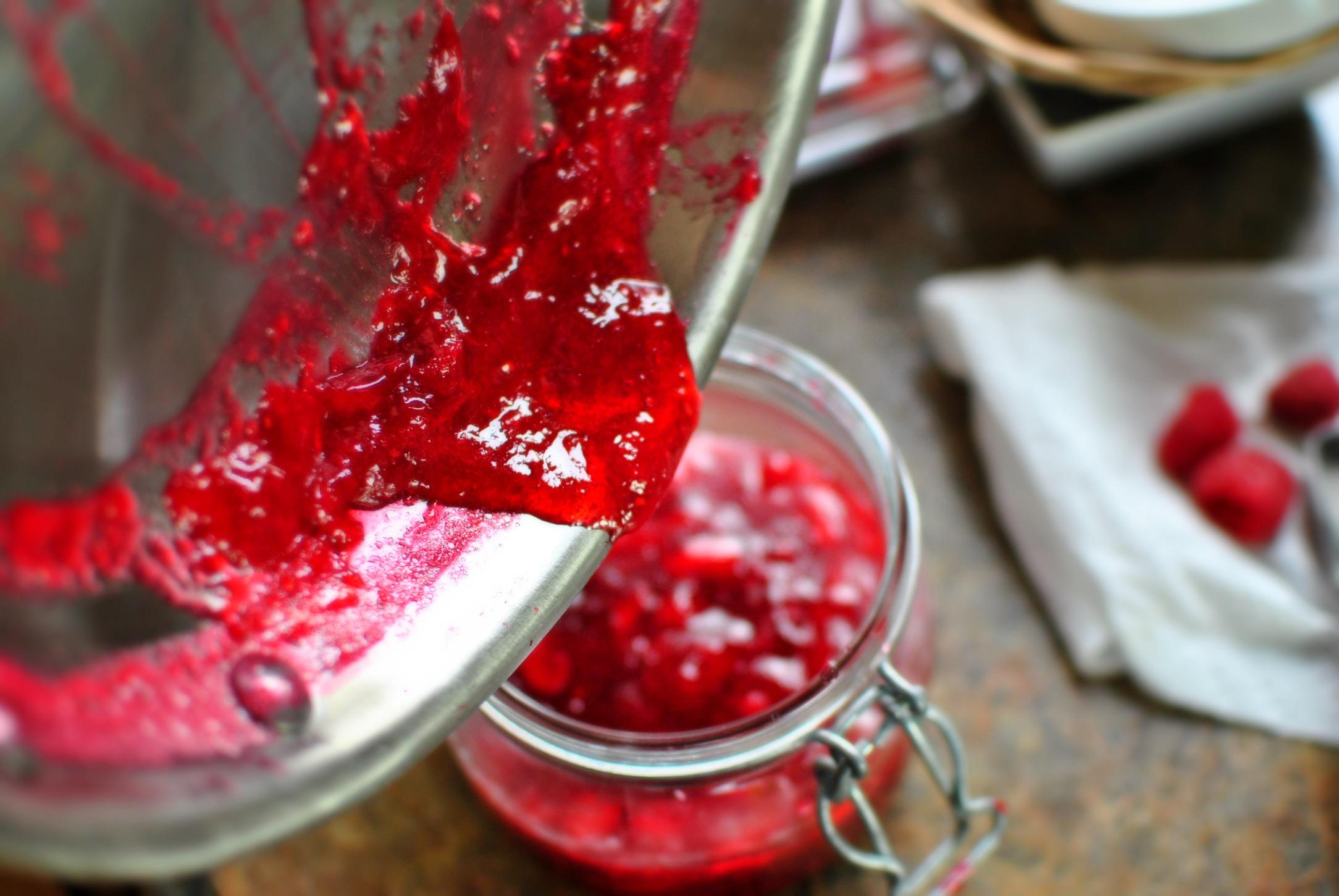 Варенье из малины пятиминутка в мультиварке — густое без варки, как желе — простой рецепт 5 минутка с фото малинового варенья