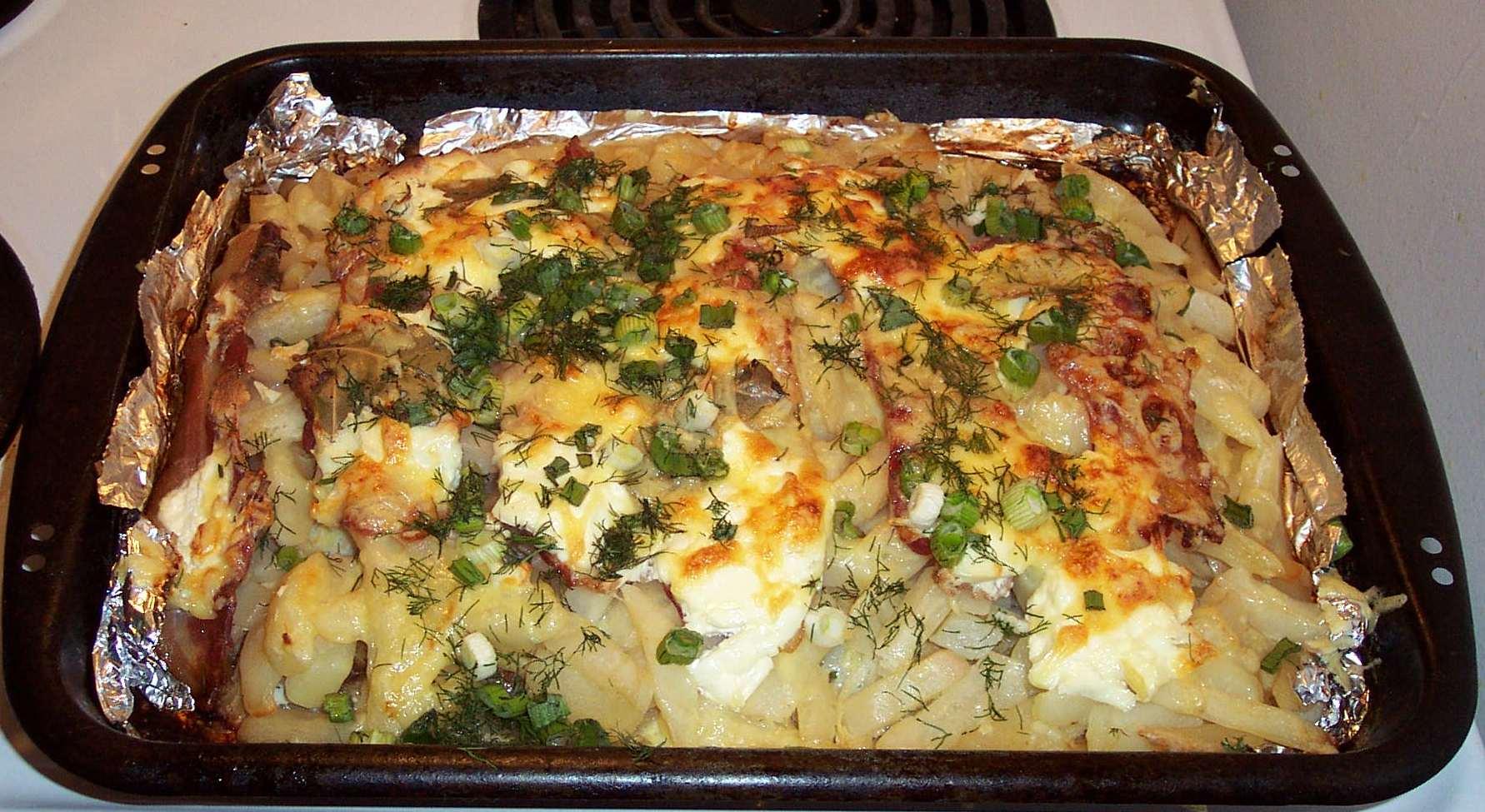 Картошка с мясом в сметане в духовке рецепт с фото пошагово - 1000.menu