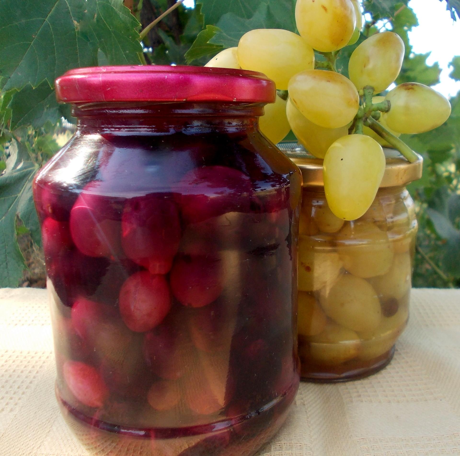 Маринованный виноград в банках на зиму - 9 пошаговых фото в рецепте