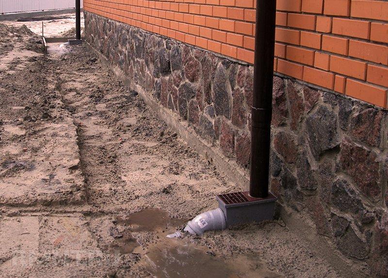 Как провести ремонт цоколя здания