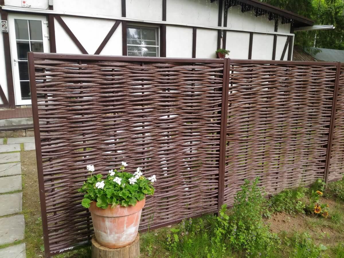 Как соорудить плетень, забор из прутьев своими руками на даче: советы для новичков, подготовка