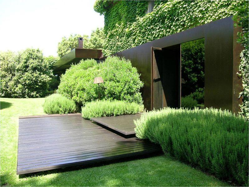 Ландшафтный дизайн маленького сада (36 фото): оформление небольшого участка своими руками, готовые композиции