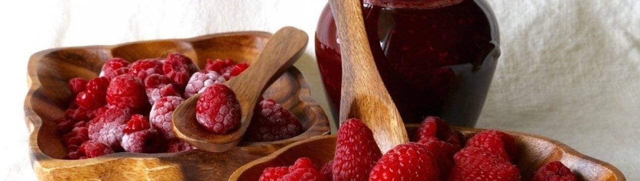 Как правильно варить малиновое варенье на зиму без косточек, с целыми ягодами, пятиминутку, без варки, в собственном соку: рецепты с пошаговыми фото и видео