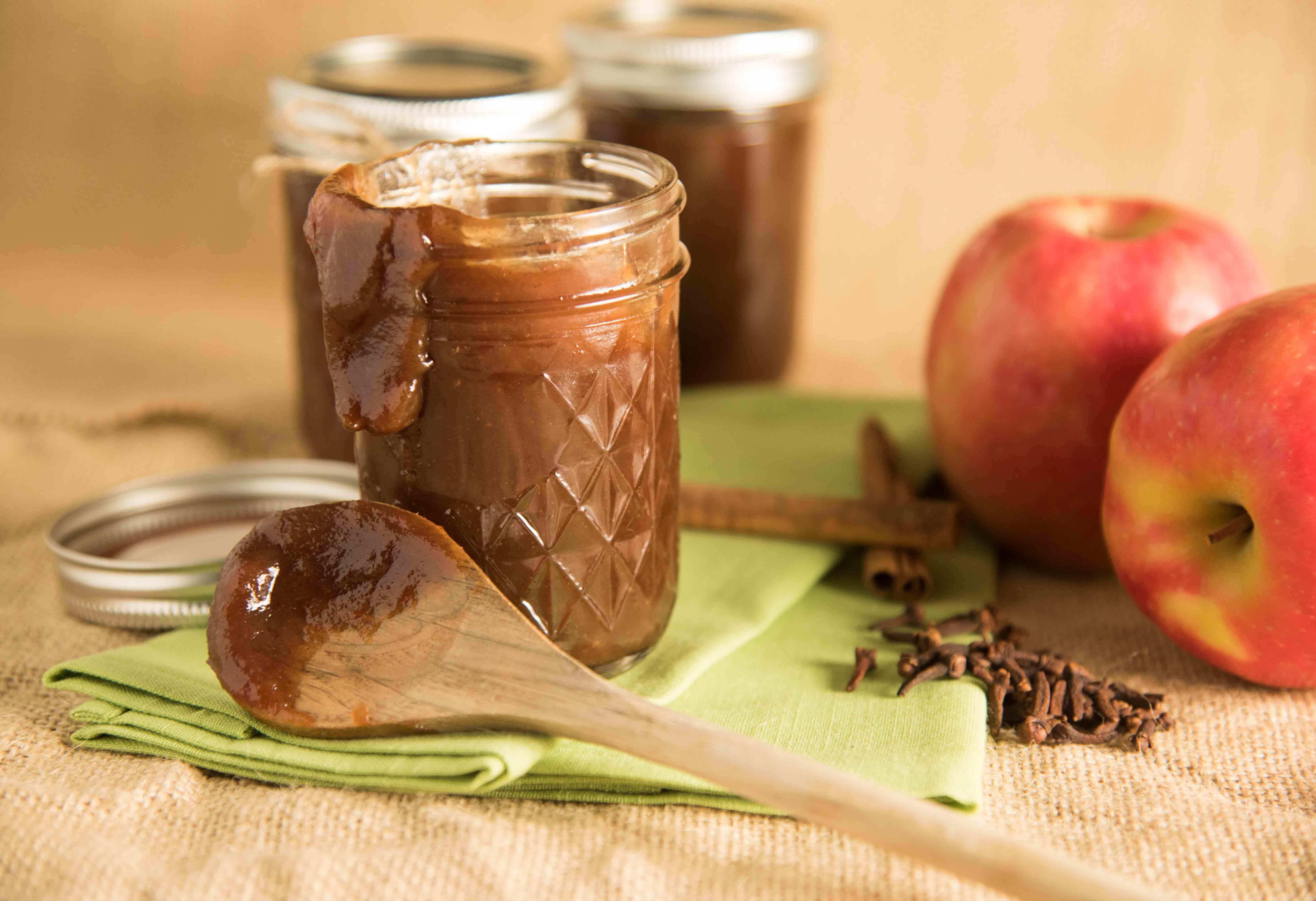 Как приготовить вкусное повидло из яблок в домашних условиях?