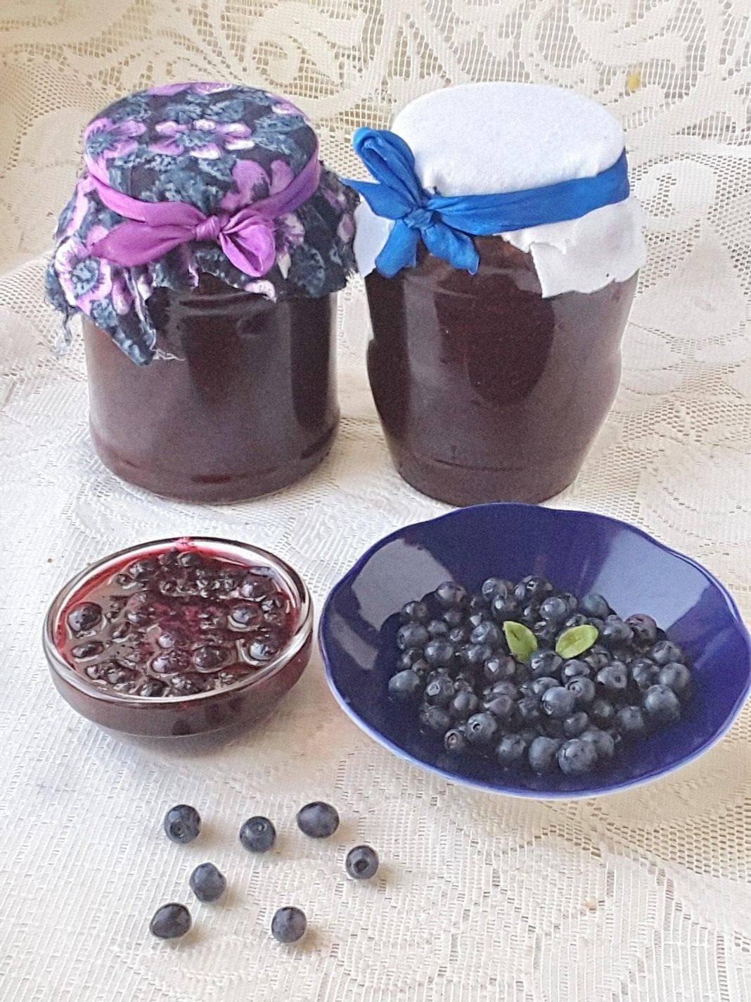 Конфитюр из голубики на зиму. простые рецепты приготовления джема из голубики «пятиминутка», с желатином и из замороженной ягоды на зиму