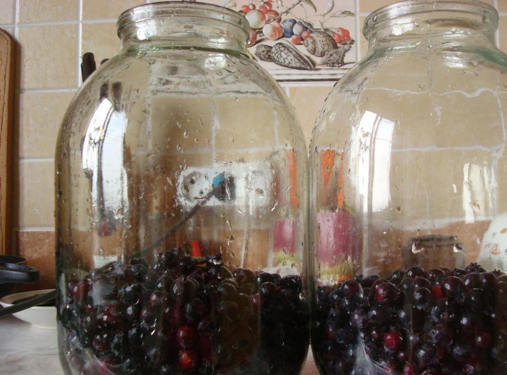 Как сделать компот из ягод на зиму по пошаговому рецепту с фото