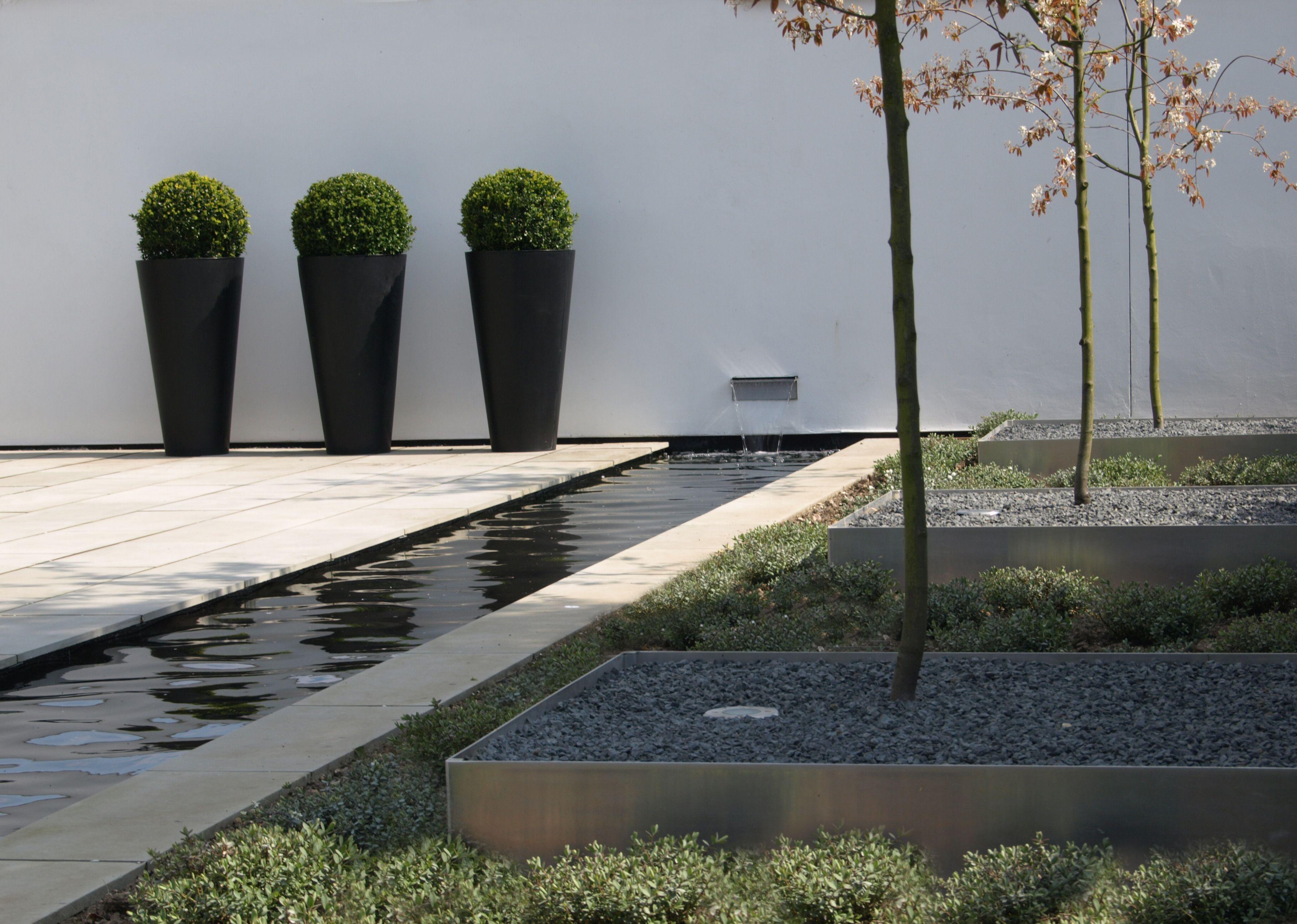 Ландшафтный дизайн небольшого участка перед домом: интересные решения, как все разместить на маленьком садовом участке  - 21 фото
