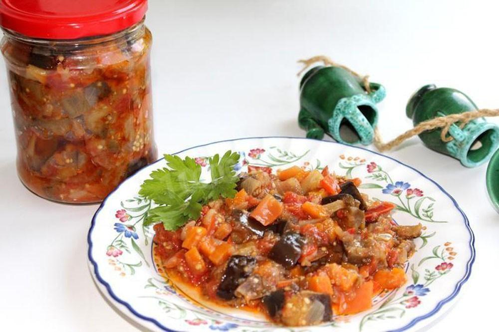 Обалденные баклажаны в томате — 6 лучших рецептов на зиму!