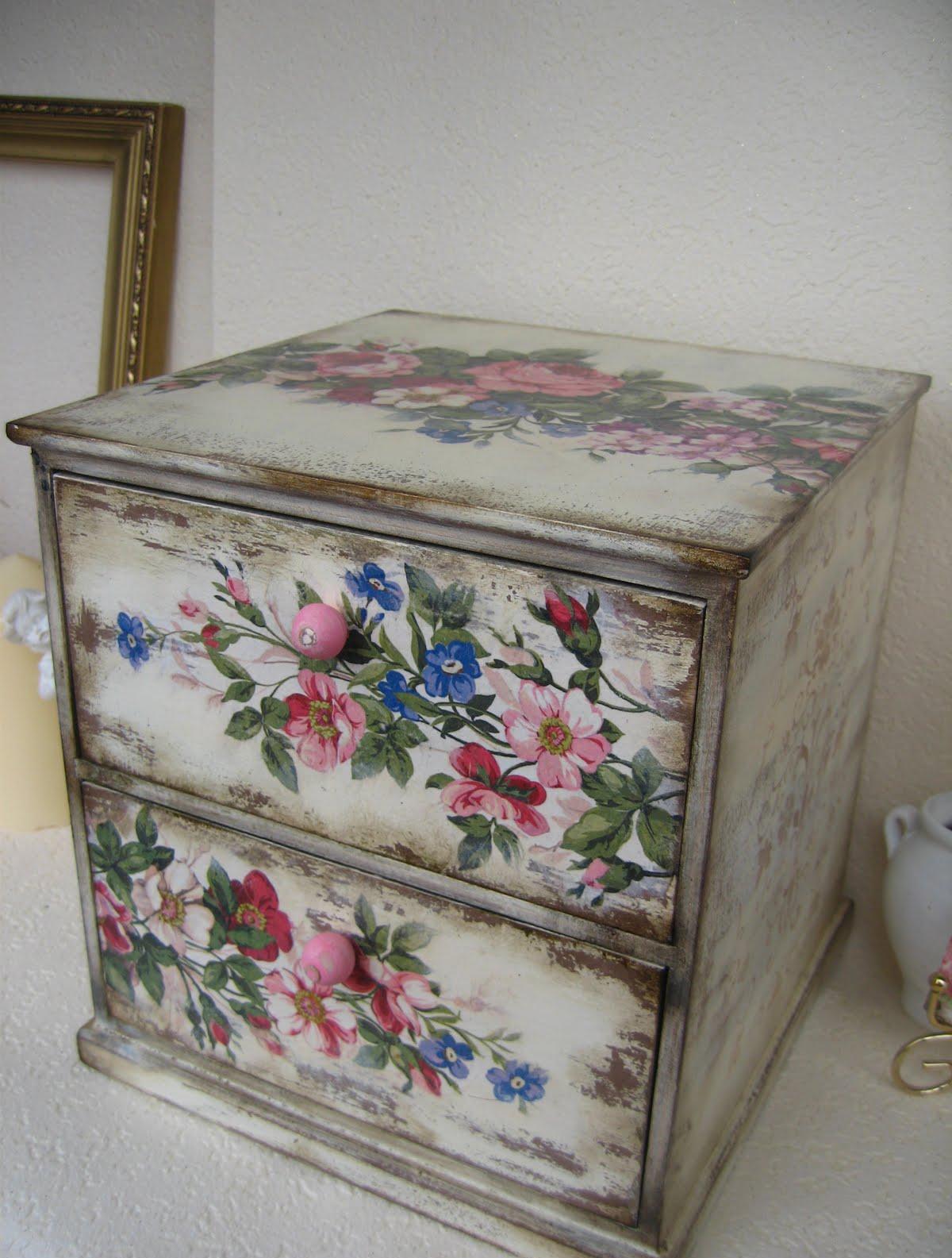 Декупаж мебели: оригинальные идеи и инструкции по декорированию