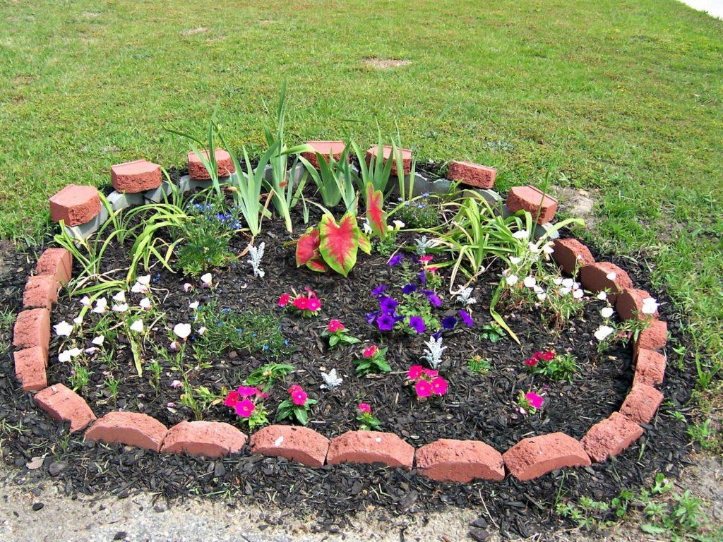 Бордюры для цветников и клумб своими руками