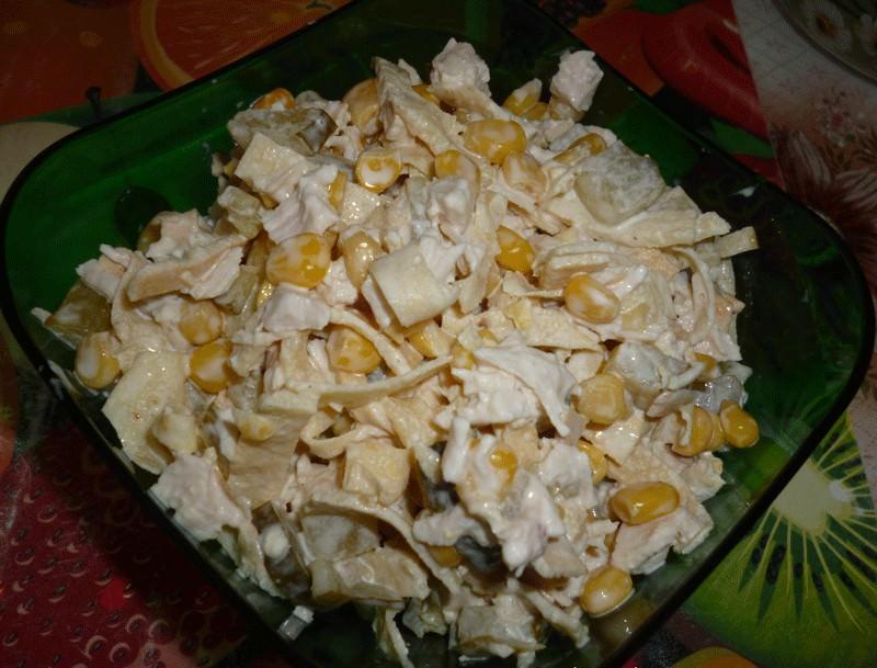 Салат с курицей и кукурузой: 98 домашних рецептов