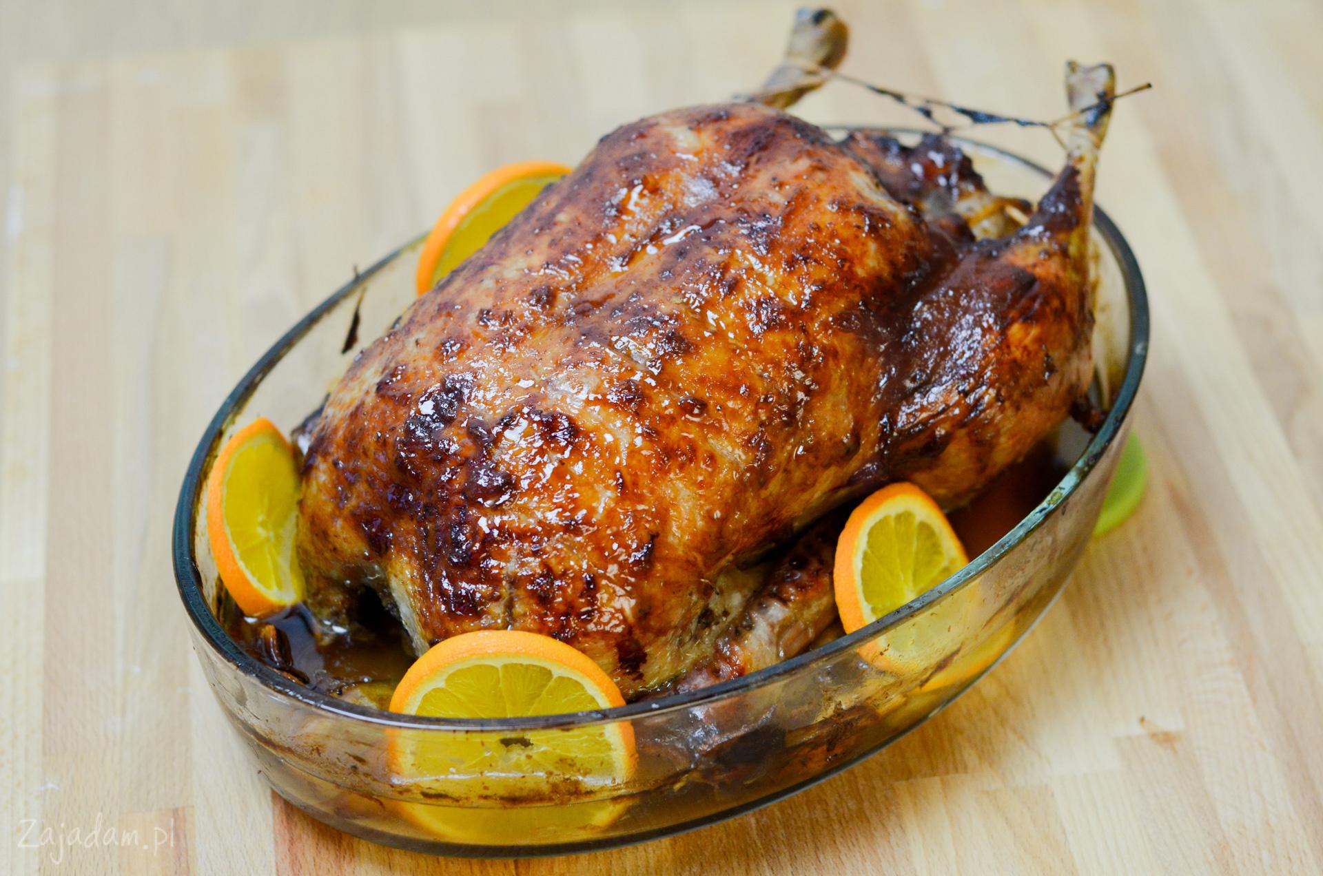 Как запечь утку целиком в духовке, чтобы она была мягкой и сочной