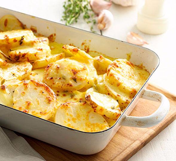 Запекаем в духовке вкусную молодую картошку — бесподобные рецепты
