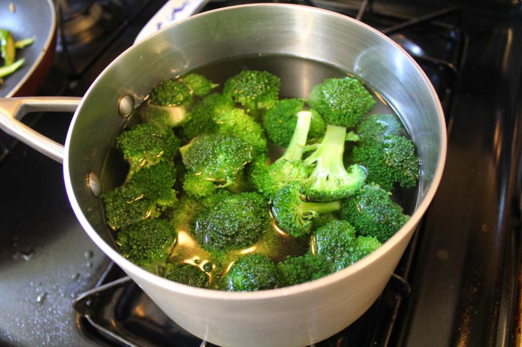 Простые рецепты приготовления заготовок на зиму из брокколи в домашних условиях