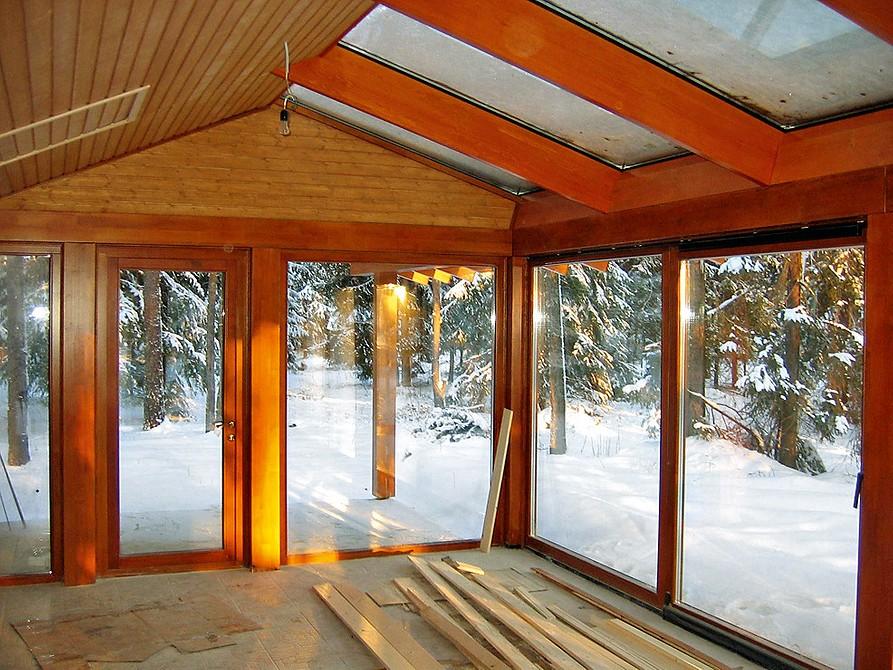 Чем закрыть беседку на зиму: 10 материалов и фото