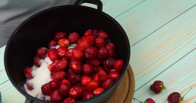 Простой рецепт приготовления варенья из земляники на зиму - всё про сады