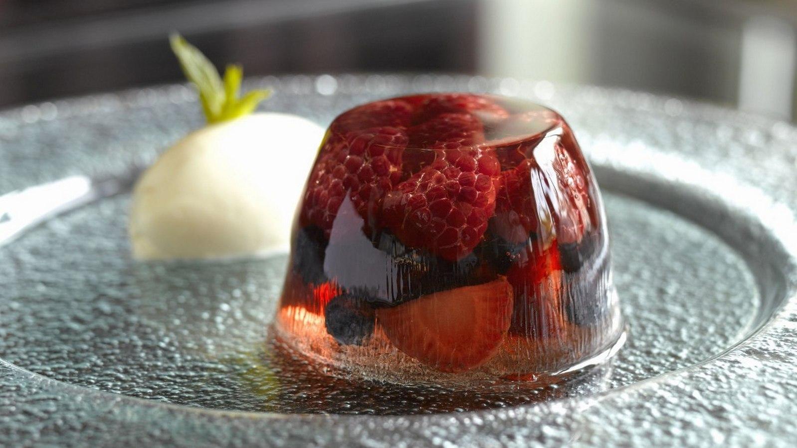 11 лучших рецептов приготовления вишни в желе на зиму с желатином