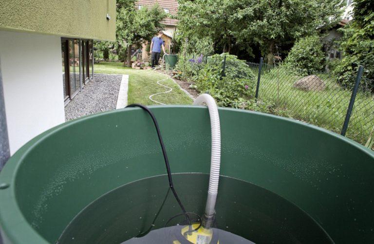 Насосы для откачки воды из бассейна: виды и выбор