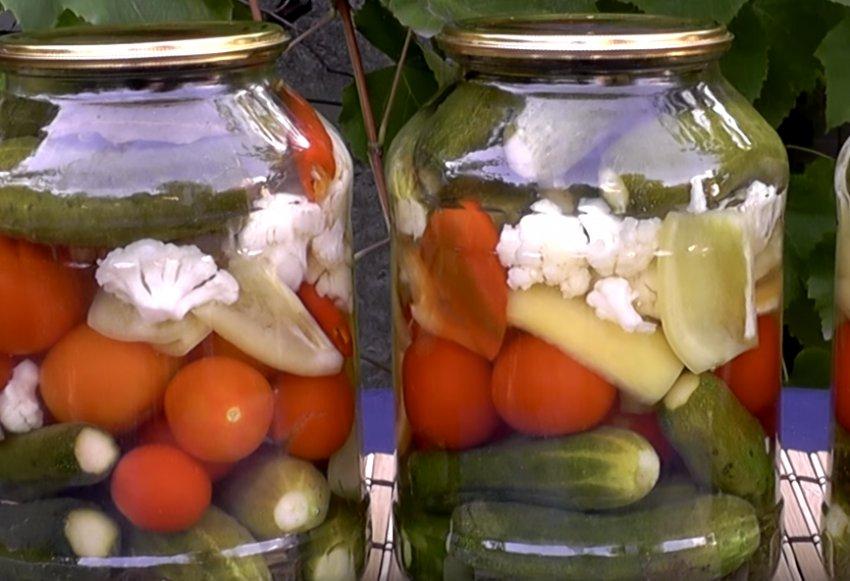Рецепт овощного ассорти на зиму - 6 пошаговых фото в рецепте