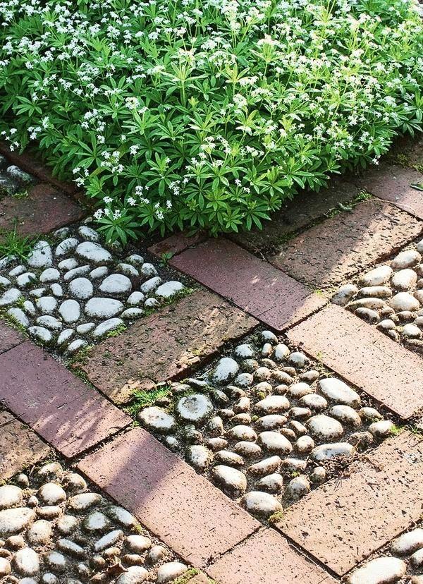 Садовые дорожки своими руками с малыми затратами: обзор вариантов